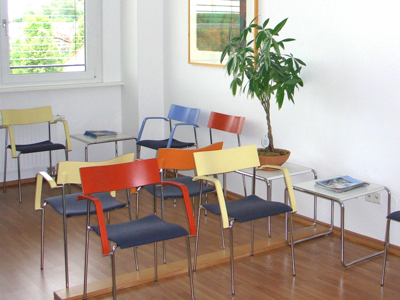 praxis-huntenburg-wartezimmer-01
